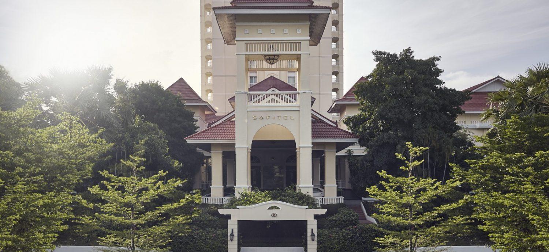 luxury-5-star-hotel-in-phnom-penh